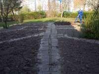 Prace w ogrodzie (1).JPG
