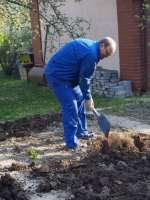 Prace w ogrodzie  (3).JPG