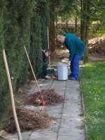 Prace w ogrodzie (10).JPG